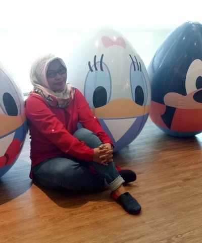 Disney Coll-Egg-Tible Series mainan yang multifungsi