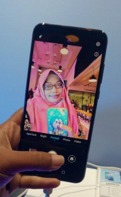 HONOR 10 Lite Smartphone Cerdas, untuk mereka yang  Aktif